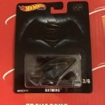 Batwing 2019 Hot Wheels Retro Entertainment Batman Case L